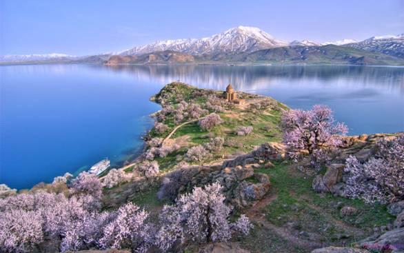 Горы Араратские, озеро Ван и